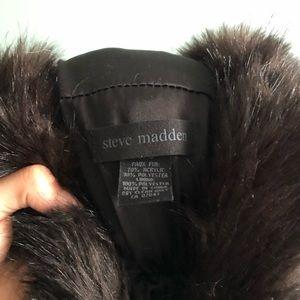 Selling Steve Madden faux fur scarf